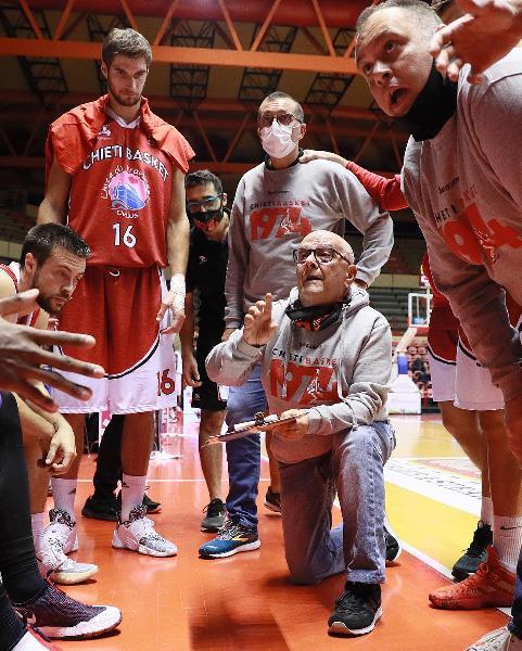 https://www.basketmarche.it/immagini_articoli/07-12-2020/chieti-cerca-riscatto-recupero-pistoia-coach-sorgentone-dobbiamo-mancare-allappuntamento-600.jpg