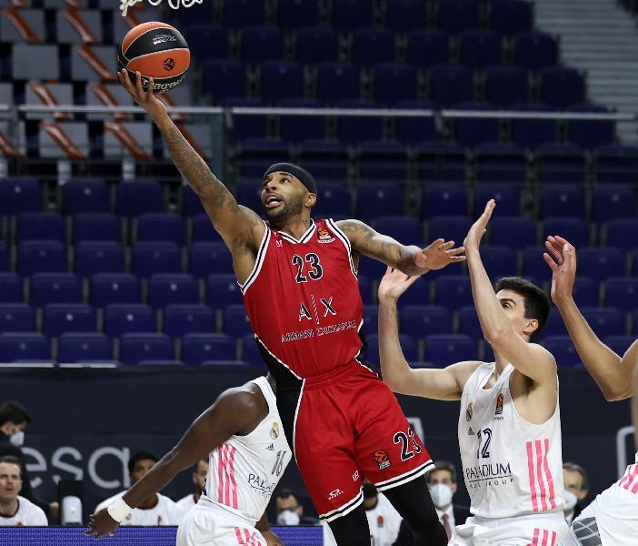 https://www.basketmarche.it/immagini_articoli/08-01-2021/euroleague-grande-olimpia-milano-espugna-campo-real-madrid-600.jpg