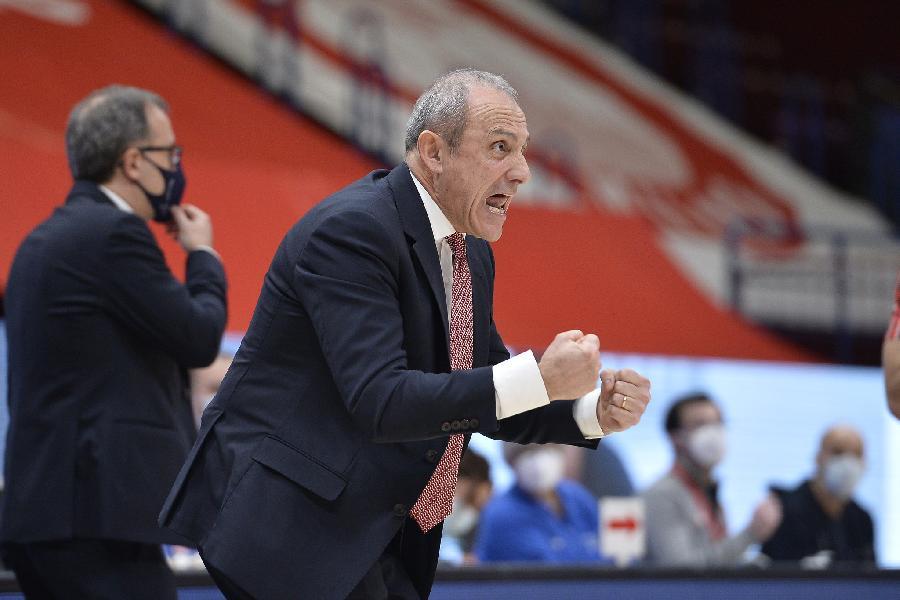 https://www.basketmarche.it/immagini_articoli/08-01-2021/milano-coach-messina-real-madrid-grande-avversario-piano-partita-rifare-causa-assenze-600.jpg