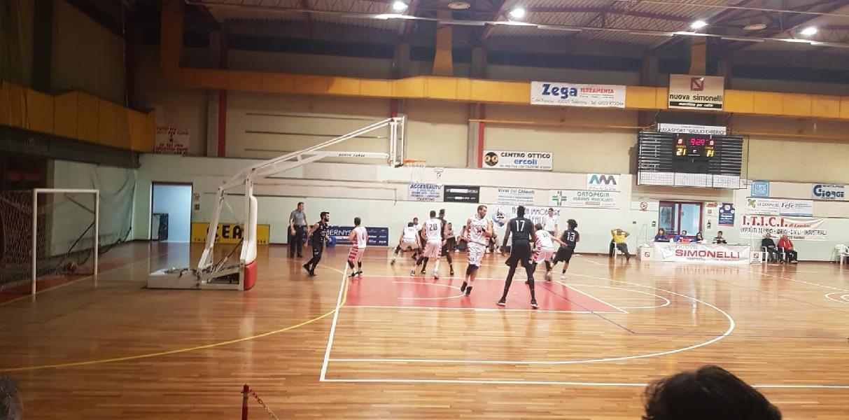 https://www.basketmarche.it/immagini_articoli/08-02-2020/super-tombolini-trascina-basket-tolentino-vittoria-capolista-basket-todi-600.jpg
