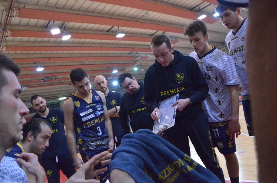 https://www.basketmarche.it/immagini_articoli/08-02-2020/sutor-montegranaro-coach-ciarpella-questo-derby-peso-importante-dovremo-rimanere-sereni-concentrati-600.jpg