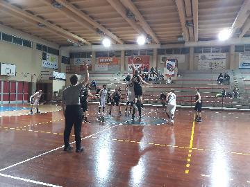 https://www.basketmarche.it/immagini_articoli/08-04-2018/d-regionale-il-marotta-basket-supera-il-camb-montecchio-e-chiude-al-terzo-posto-270.jpg