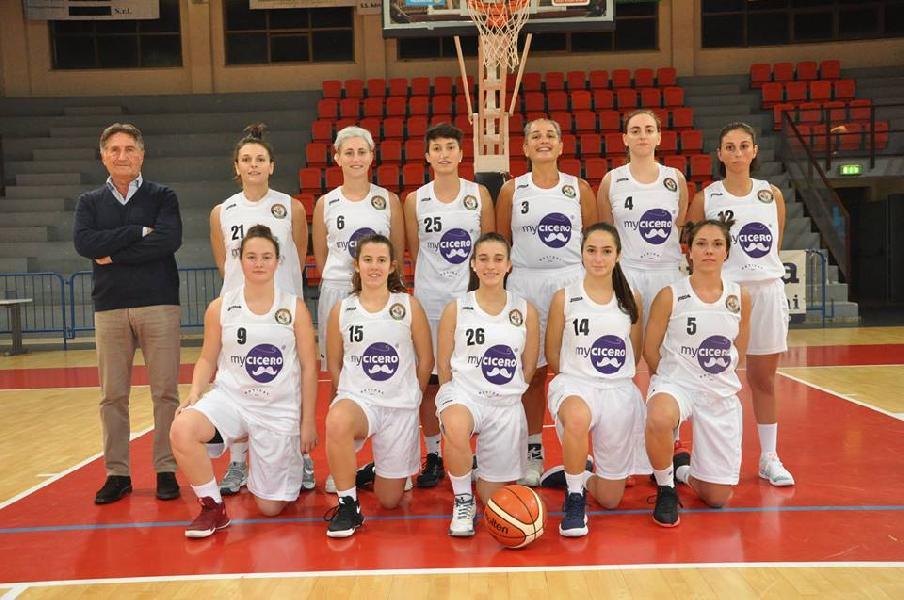 https://www.basketmarche.it/immagini_articoli/08-04-2019/basket-2000-senigallia-espugna-campo-ancona-promozione-passo-600.jpg