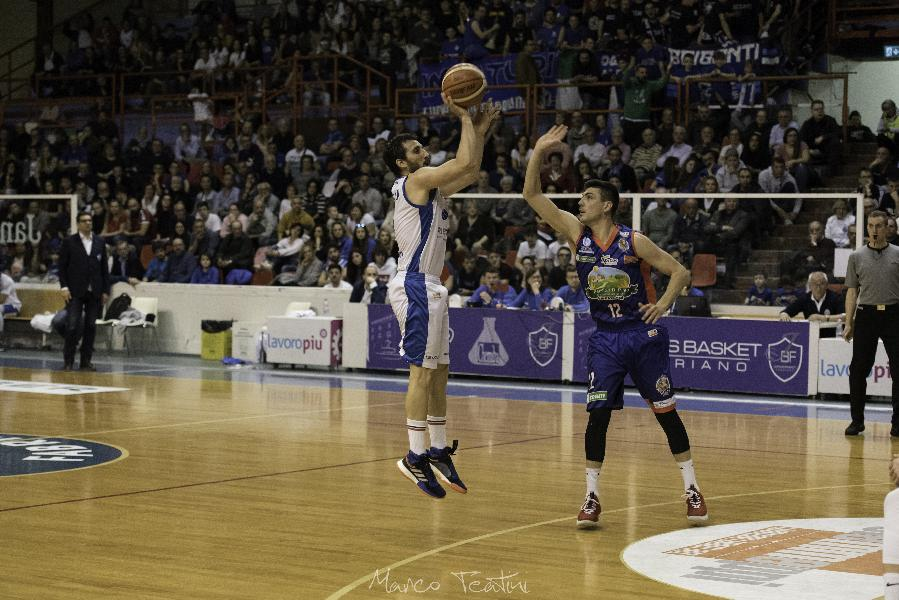 https://www.basketmarche.it/immagini_articoli/08-04-2019/janus-fabriano-perde-partita-differenza-canestri-bisceglie-600.jpg