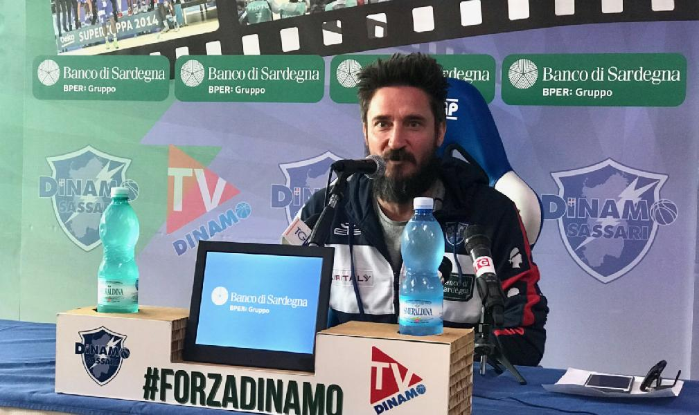 https://www.basketmarche.it/immagini_articoli/08-06-2019/dinamo-sassari-coach-pozzecco-squadra-societ-tifosi-tutta-sardegna-meritano-scudetto-600.jpg