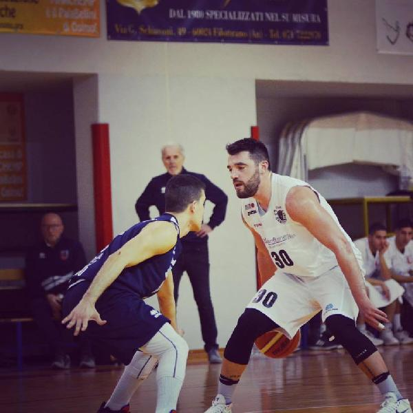 https://www.basketmarche.it/immagini_articoli/08-06-2019/rodrigo-monier-lascia-robur-osimo-firma-sunshine-basket-vieste-600.jpg