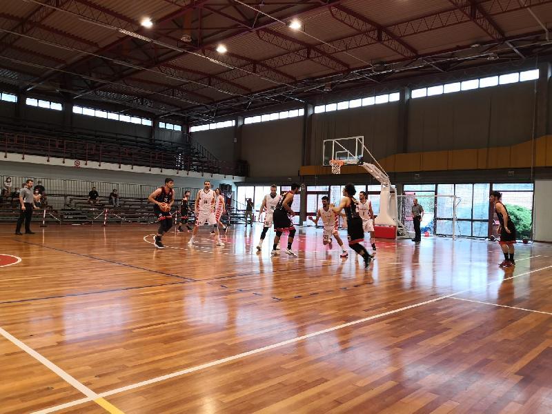 https://www.basketmarche.it/immagini_articoli/08-06-2021/tolentino-coach-palmioli-giocata-gara-grande-intensit-finale-pagate-rotazioni-corte-stanchezza-600.jpg
