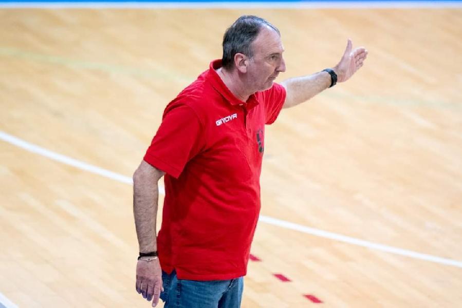 https://www.basketmarche.it/immagini_articoli/08-06-2021/unibasket-coach-tommaso-600.jpg