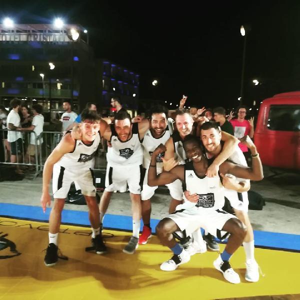 https://www.basketmarche.it/immagini_articoli/08-07-2019/summer-league-senigallia-trionfano-atletico-troppo-marco-santiangeli-600.jpg