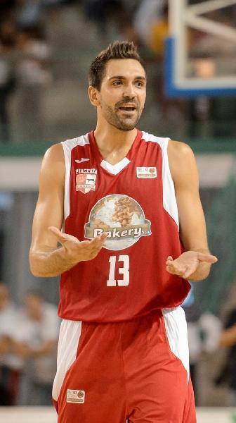 https://www.basketmarche.it/immagini_articoli/08-07-2019/ufficiale-riccardo-pederzini-giocatore-dellaurora-jesi-600.jpg