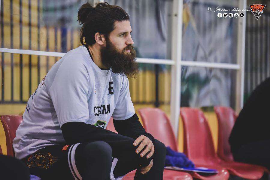 https://www.basketmarche.it/immagini_articoli/08-07-2020/ufficiale-andrea-scanzi-giocatore-janus-fabriano-600.jpg