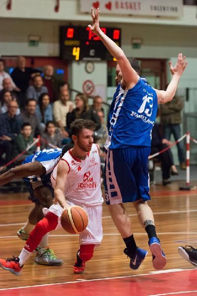 https://www.basketmarche.it/immagini_articoli/08-08-2020/basket-tolentino-ferma-ufficiale-conferma-elia-rossi-arrivi-ortenzi-nardi-cimini-600.jpg