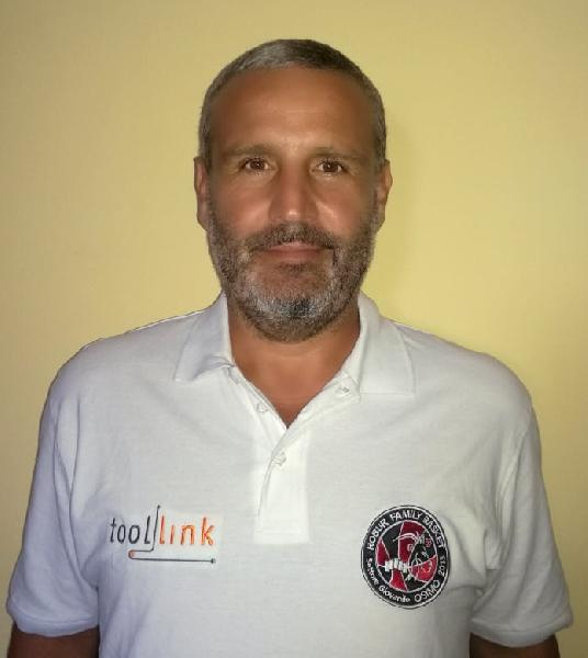https://www.basketmarche.it/immagini_articoli/08-08-2020/robur-family-osimo-massimo-vignoni-allenatore-squadra-under-600.jpg