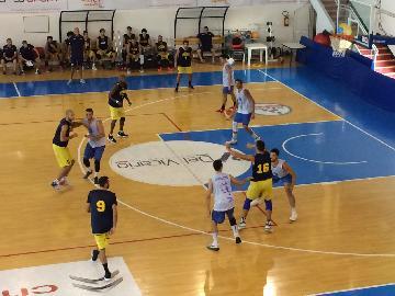 https://www.basketmarche.it/immagini_articoli/08-09-2017/serie-b-nazionale-buon-test-amichevole-per-il-basket-recanati-contro-lo-janus-fabriano-270.jpg