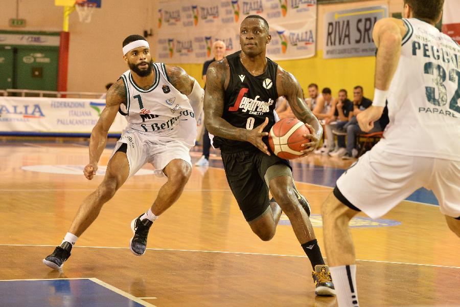 https://www.basketmarche.it/immagini_articoli/08-09-2019/memorial-bertolazzi-virtus-bologna-supera-nettamente-pallacanestro-cant-finale-600.jpg