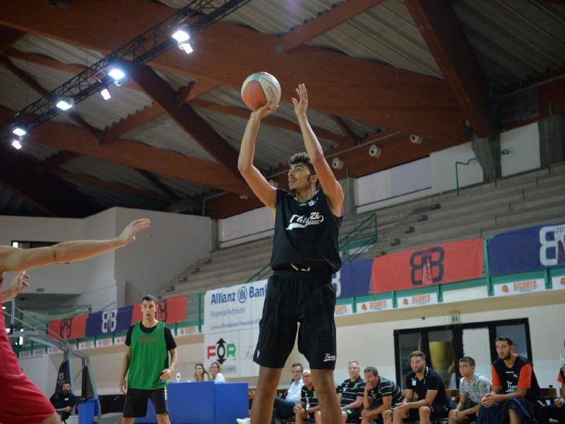 https://www.basketmarche.it/immagini_articoli/08-09-2019/rekico-faenza-passi-avanti-fine-esulta-tramec-cento-600.jpg