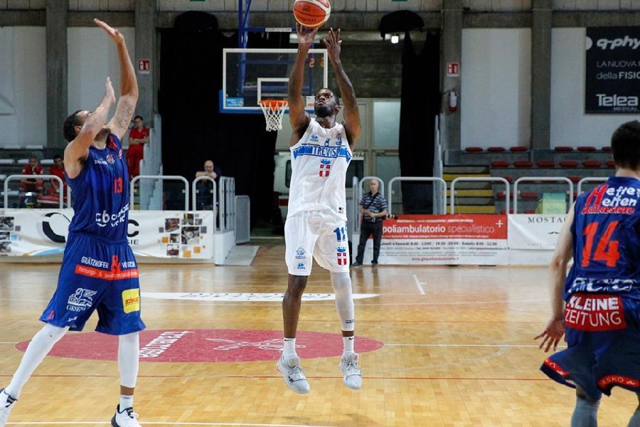 https://www.basketmarche.it/immagini_articoli/08-09-2019/trofeo-palladio-longhi-treviso-supera-kapfenberg-bulls-conquista-finale-600.jpg