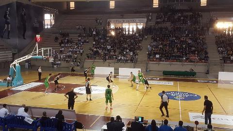https://www.basketmarche.it/immagini_articoli/08-10-2017/serie-c-silver-gare-della-domenica-vittorie-per-campetto-ancona-e-urbania-270.jpg