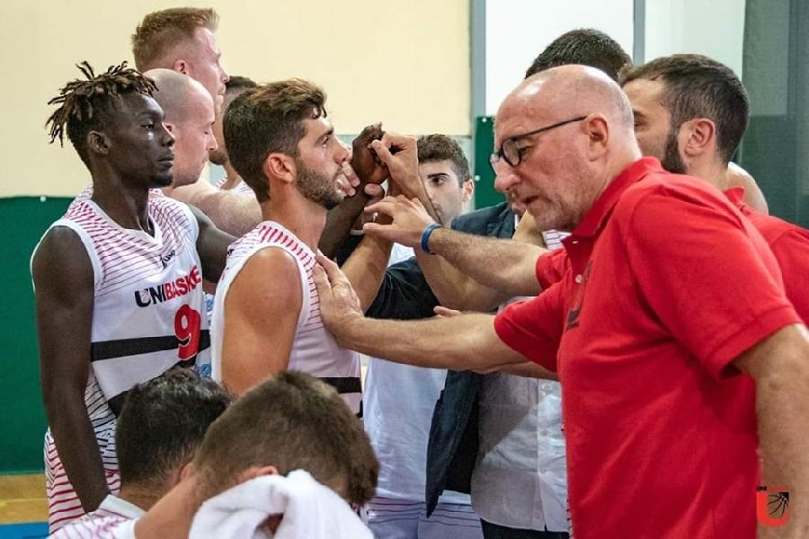 https://www.basketmarche.it/immagini_articoli/08-10-2019/unibasket-lanciano-coach-borromeo-fatta-buona-gara-fine-venuta-fuori-esperienza-fortitudo-600.jpg