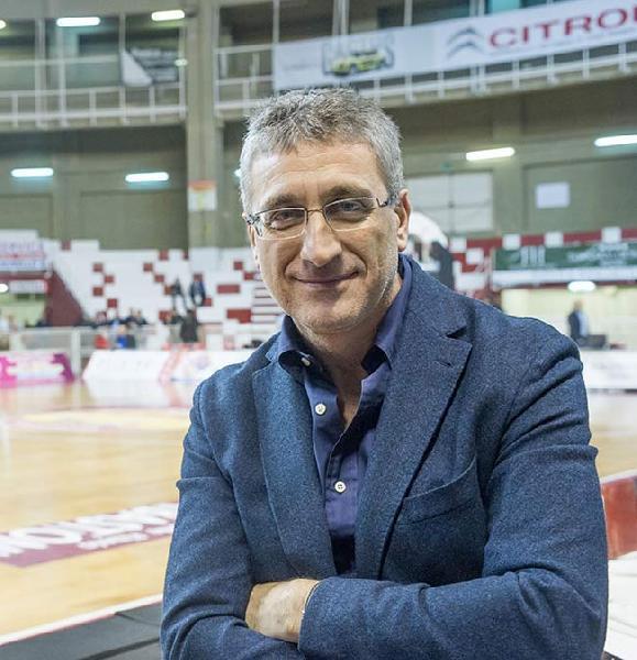 https://www.basketmarche.it/immagini_articoli/08-10-2020/pietro-basciano-vogliamo-chiarezza-spettatori-capienza-chiude-600.jpg
