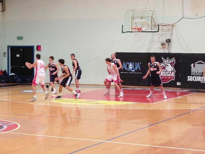 https://www.basketmarche.it/immagini_articoli/08-10-2021/coppa-centenario-basket-gubbio-espugna-perugia-grazie-tripla-fioretti-sirena-600.jpg