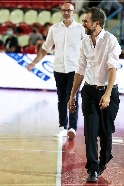 https://www.basketmarche.it/immagini_articoli/08-10-2021/flying-balls-ozzano-cercano-riscatto-luiss-roma-600.jpg
