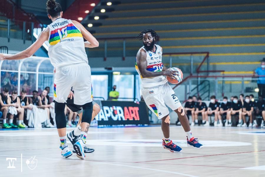 https://www.basketmarche.it/immagini_articoli/08-10-2021/janus-fabriano-cerca-riscatto-trasferta-campo-pallacanestro-forl-600.jpg