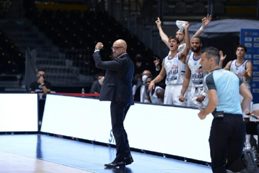 https://www.basketmarche.it/immagini_articoli/08-11-2020/brindisi-coach-vitucci-stata-vittoria-meritata-grande-squadra-virtus-bologna-600.jpg