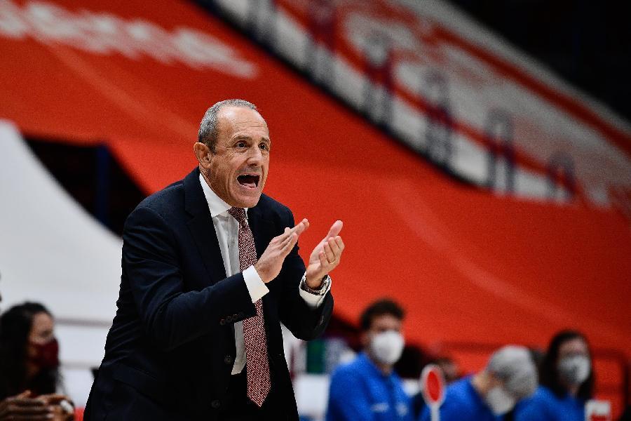 https://www.basketmarche.it/immagini_articoli/08-11-2020/milano-coach-messina-abbiamo-giocato-grande-intensit-conquistando-vittoria-meritata-600.jpg