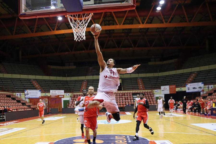 https://www.basketmarche.it/immagini_articoli/08-11-2020/pallacanestro-forl-aggiudica-amichevole-benedetto-cento-600.jpg