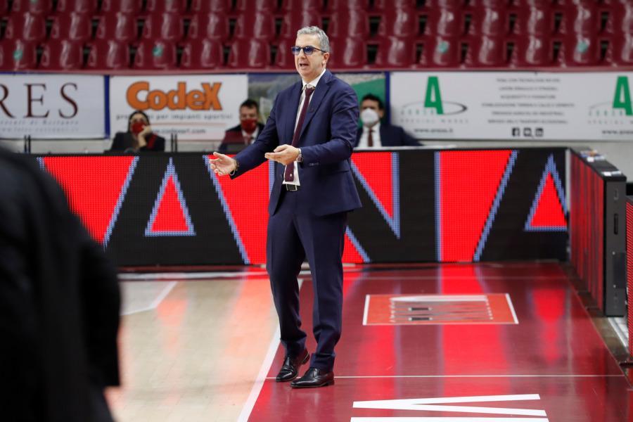 https://www.basketmarche.it/immagini_articoli/08-11-2020/reyer-caoch-raffaele-buona-vittoria-abbiamo-avuto-ottimo-approccio-600.jpg