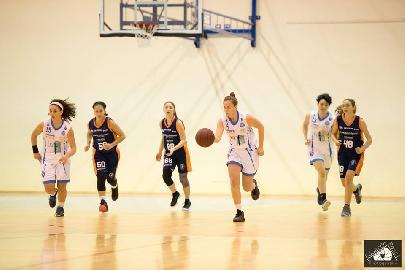 https://www.basketmarche.it/immagini_articoli/08-12-2017/giovanili-il-bilancio-settimanale-sulle-squadre-della-feba-civitanova-270.jpg