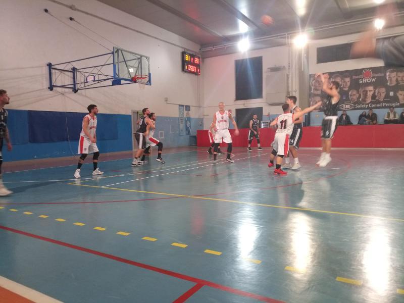 https://www.basketmarche.it/immagini_articoli/08-12-2019/basket-assisi-supera-atomika-spoleto-resta-solo-testa-classifica-600.jpg