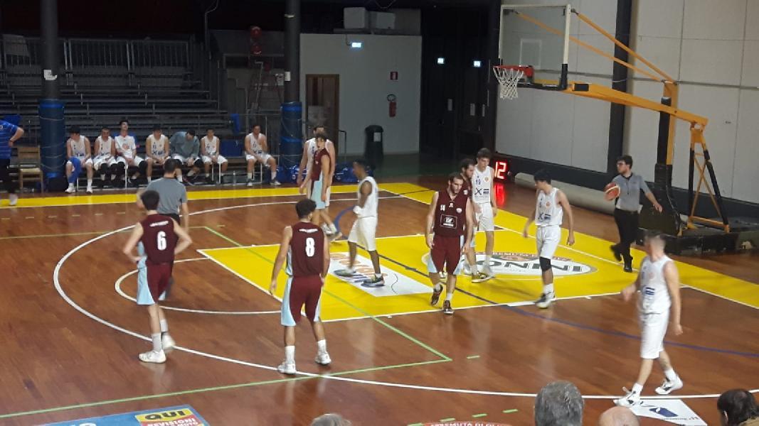 https://www.basketmarche.it/immagini_articoli/08-12-2019/fara-sabina-passa-volata-campo-giromondo-spoleto-600.jpg