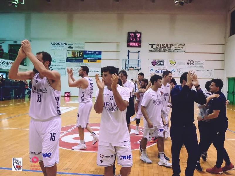 https://www.basketmarche.it/immagini_articoli/08-12-2019/super-valerio-amoroso-guida-virtus-civitanova-vittoria-capolista-cento-600.jpg
