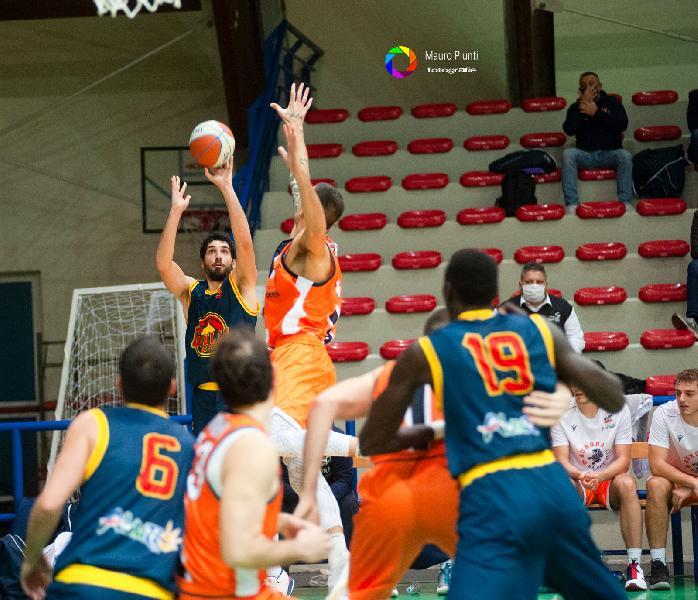 https://www.basketmarche.it/immagini_articoli/09-01-2021/giulianova-giovanni-montuori-fabriano-partita-facile-punteremo-sulle-caratteristiche-giocatori-arruolabili-600.jpg