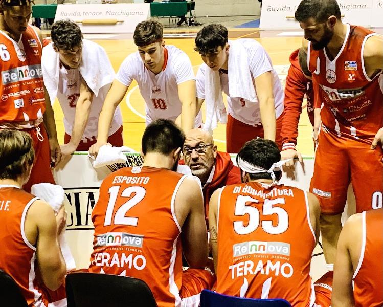 https://www.basketmarche.it/immagini_articoli/09-01-2021/teramo-spicchi-coach-salvemini-jesi-dovremo-giocare-partita-solida-importante-600.jpg