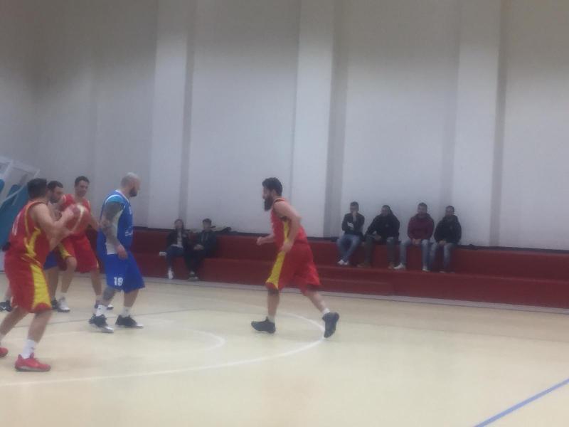 https://www.basketmarche.it/immagini_articoli/09-02-2019/basket-montefeltro-carpegna-regola-combattivo-basket-cagli-600.jpg