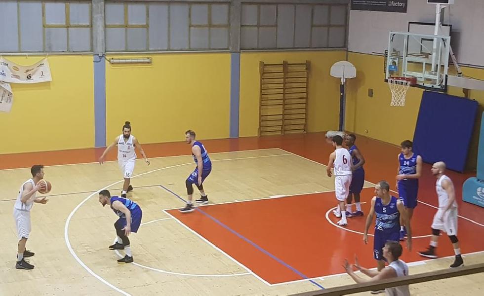 https://www.basketmarche.it/immagini_articoli/09-02-2020/pallacanestro-urbania-vince-scontro-diretto-titano-marino-600.jpg