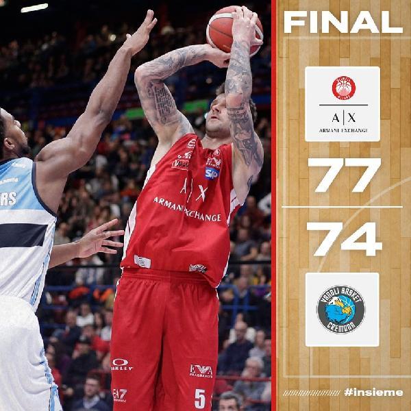 https://www.basketmarche.it/immagini_articoli/09-02-2020/tripla-micov-sirena-regala-vittoria-olimpia-milano-derby-cremona-600.jpg
