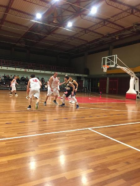 https://www.basketmarche.it/immagini_articoli/09-03-2019/pallacanestro-recanati-espugna-campo-basket-tolentino-vittoria-600.jpg