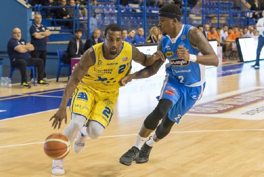 https://www.basketmarche.it/immagini_articoli/09-03-2019/poderosa-montegranaro-visita-treviso-basket-sfida-decisiva-secondo-posto-600.jpg