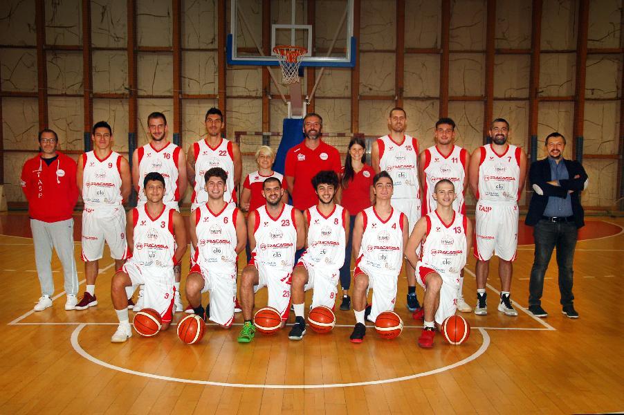 https://www.basketmarche.it/immagini_articoli/09-03-2019/tasp-teramo-tana-vasto-basket-parole-coach-stirpe-edoardo-magazzeni-600.jpg