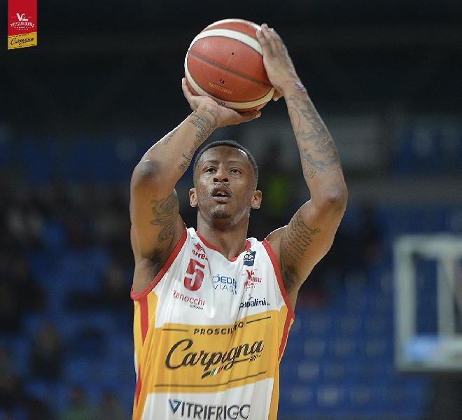 https://www.basketmarche.it/immagini_articoli/09-03-2020/ufficiale-troy-williams-lascia-carpegna-prosciutto-basket-pesaro-600.jpg