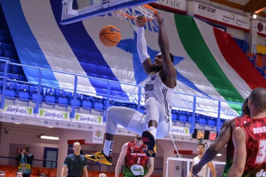 https://www.basketmarche.it/immagini_articoli/09-03-2021/happy-casa-brindisi-riscatta-supera-pinar-karsiyaka-600.jpg
