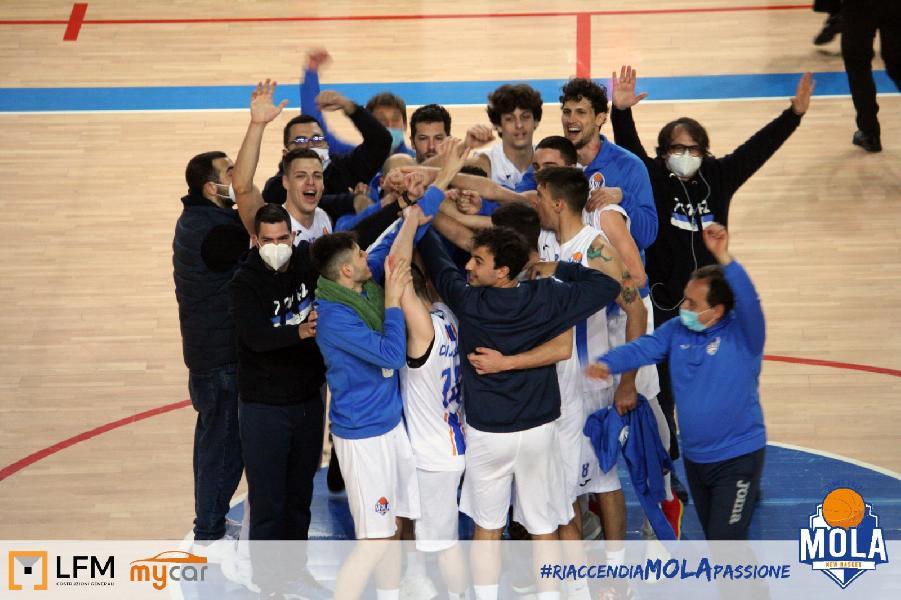 https://www.basketmarche.it/immagini_articoli/09-03-2021/mola-basket-2012-parte-piede-giusto-porta-casa-primi-punti-600.jpg
