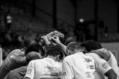 https://www.basketmarche.it/immagini_articoli/09-04-2018/serie-b-nazionale-lo-janus-fabriano-comanda-tutta-la-partita-ma-alla-fine-la-spunta-cerignola-270.jpg