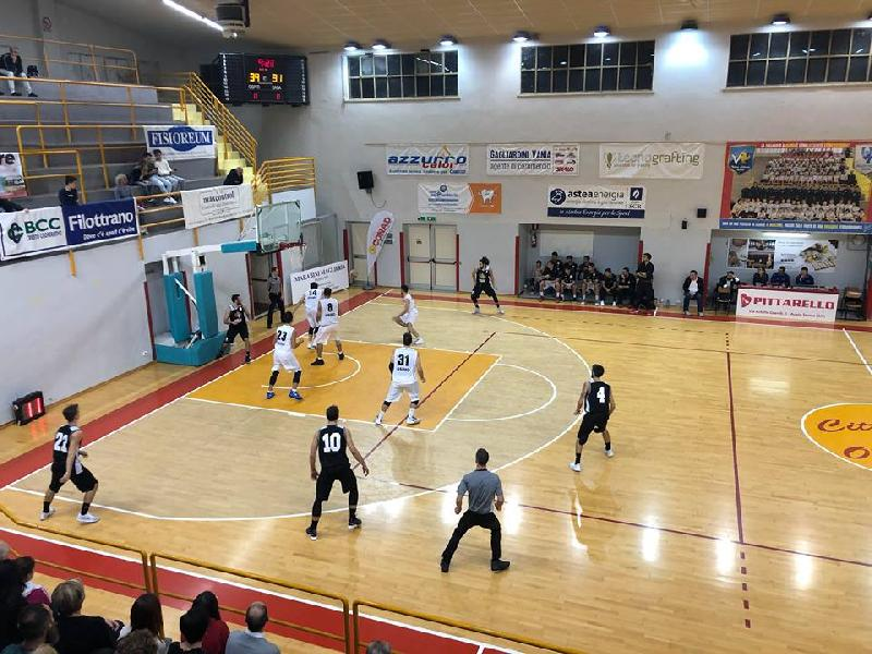 https://www.basketmarche.it/immagini_articoli/09-04-2019/gold-playout-date-serie-robur-osimo-falconara-basket-parte-domenica-600.jpg