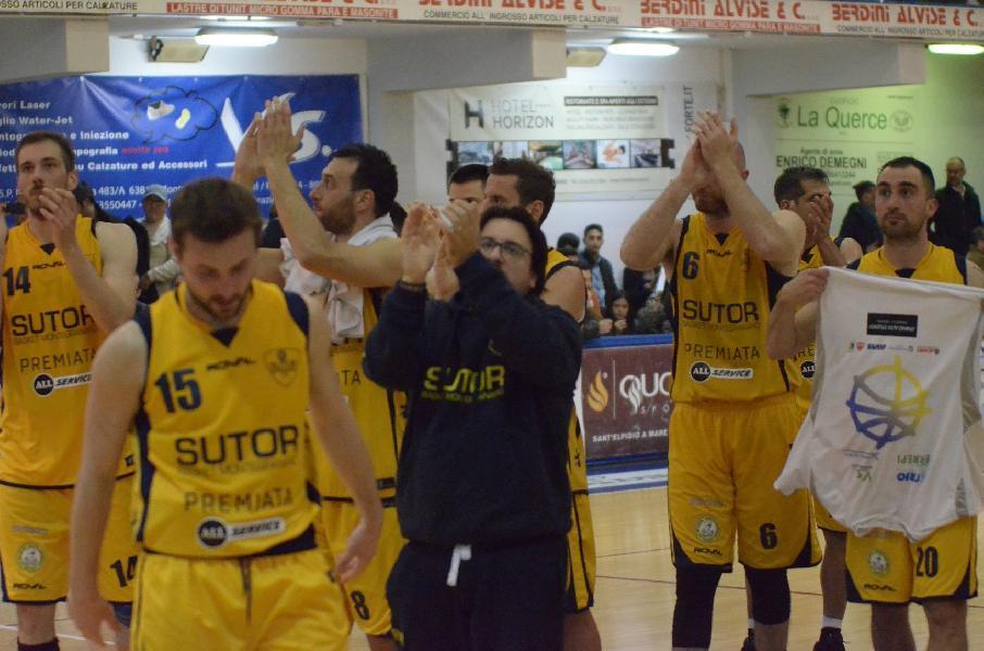 https://www.basketmarche.it/immagini_articoli/09-05-2019/gold-playoff-bombonera-bastano-sutor-montegranaro-arrende-lanciano-600.jpg