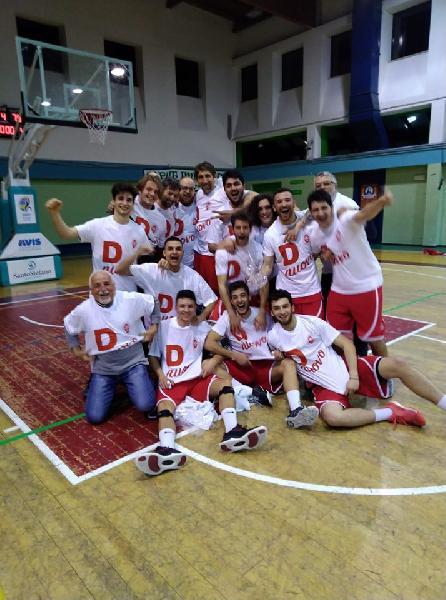 https://www.basketmarche.it/immagini_articoli/09-05-2019/regionale-playout-amatori-severino-sbanca-porto-potenza-conquista-salvezza-600.jpg